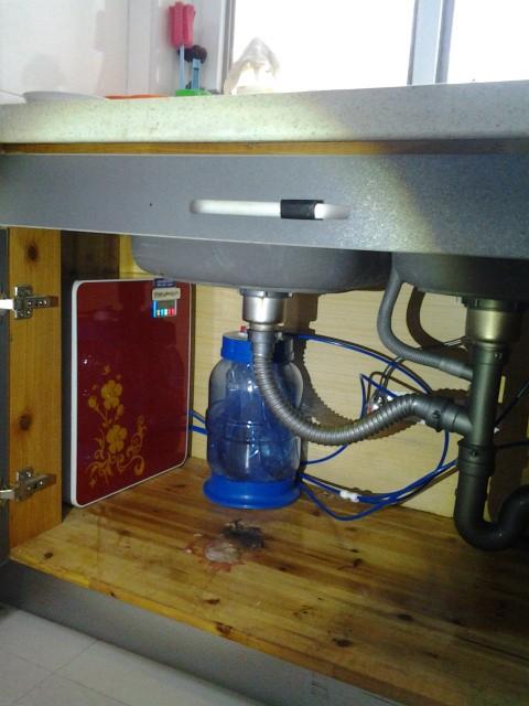 净水器安装方法-步骤二:安装净水器主机